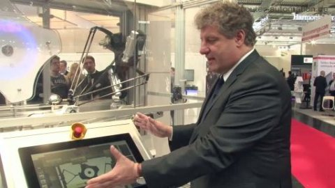 Lenze: HMI mit Gestensteuerung und 3D