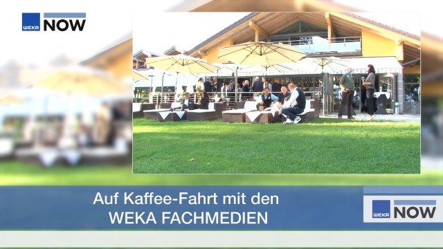 """»Schnäppchen, Spaß und Senastionen« lautete das Motto der 1. Kaffee-Fahrt der WEKA FACHMEDIEN, die unter Berücksichtigung der """"3G-Regel"""" stattfand. Wie es sich gehört, wurden die Gäste mit dem Bus an den idyllischen Steinsee bei München chauffiert, wo Sie zwar keine Heizdecken, aber ein sonniger Herbsttag, Kaffee, Kuchen und der Vortrag »Schnäppchen, Spaß und Senastionen« von Matthäus Hose, Geschäftsführer der WEKA FACHMEDIEN, erwartete. #WEKAKaffeefahrt"""