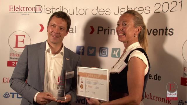 """Ein sonniger Tag begleitete die 15. Preisverleihung der Elektronik-Leserwahl zum »Distributor des Jahres«, die unter Berücksichtigung der """"3G-Regel"""" wieder als Präsenzveranstaltung im Seehaus in München stattfand. Alle Preisträger, jede Menge Impressionen und Stimmen von der Preisverleihung sehen Sie hier im Video."""