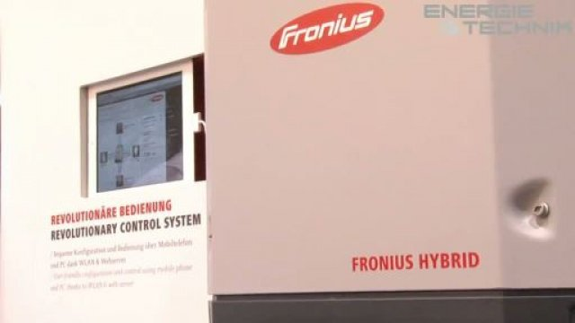 Was muss ein Wechselrichter heute leisten? Und warum gehört dem Smart Grid die Zukunft? Diese und andere Fragen haben wir Ulrich Winter, dem Vertriebsleiter der Sparte Solarelektronik bei Fronius Deutschland, auf der Intersolar in München gestellt.