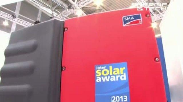 Auf der Intersolar Europe in München haben wir uns nach brauchbaren Energiespeichern für den Privatmann umgesehen und dabei einige lohnenswerte Systeme entdeckt. Darunter war unter anderem der Preisträger des Intersolar-Award 2013.